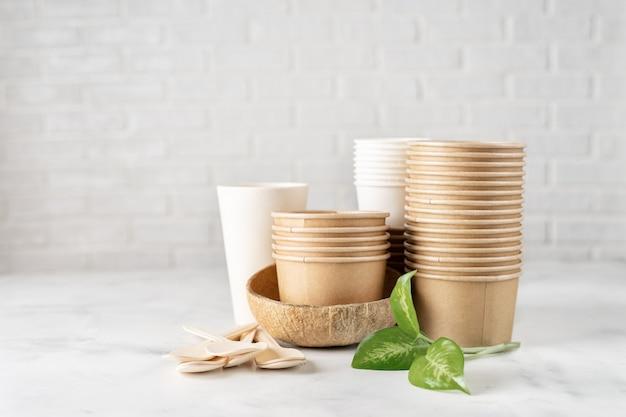 Coleção de utensílios de mesa ecológicos