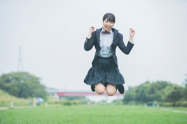 Colegial, menina, pular