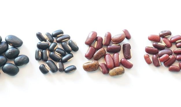 Coleta de feijão vermelho rim verde mung feijão preto soja e milho