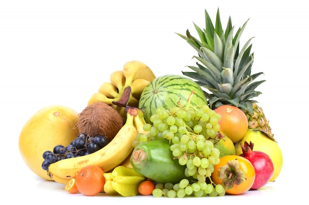 Coleta de frutas frescas.