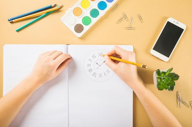 Colheita, mãos, desenho, pulso disparo, em, caderno