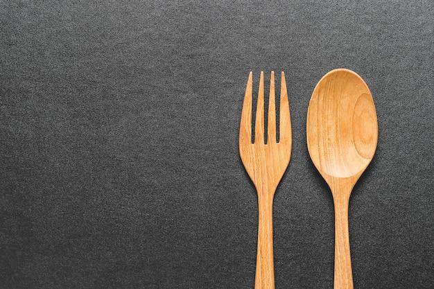 Colher e garfo de madeira