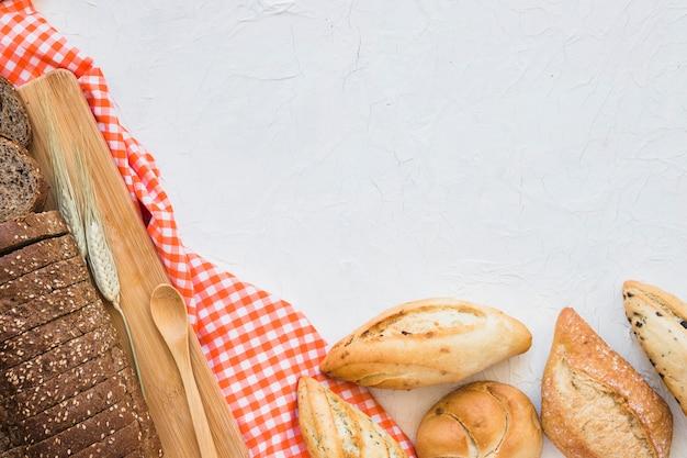 Colher, perto, pão, e, pães