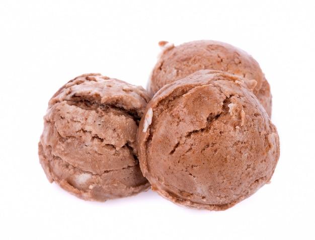 Colheres de sorvete isoladas