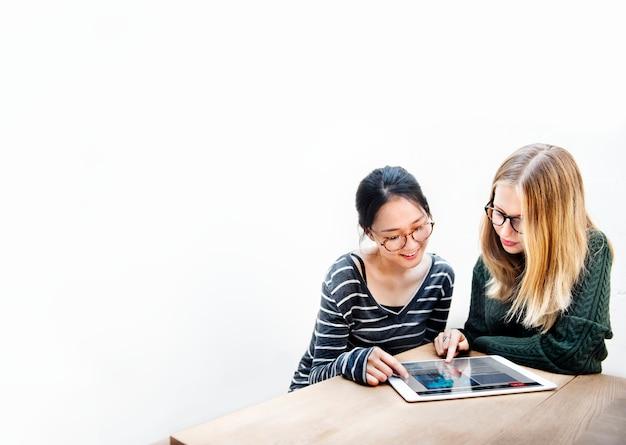 Colleage education cooperation school conceito de estudo