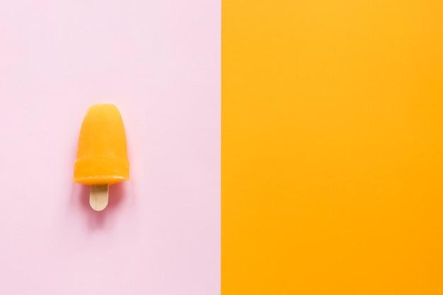 Colocação plana de saboroso picolé com espaço de cópia