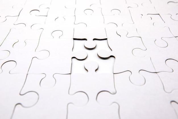 Colocando faltando uma peça do quebra-cabeça