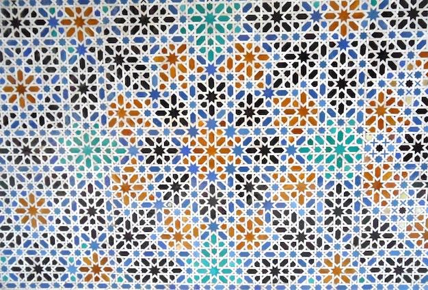 Colorido estilo mourisco parede de azulejos no alcazar real de sevilha na espanha, fundo