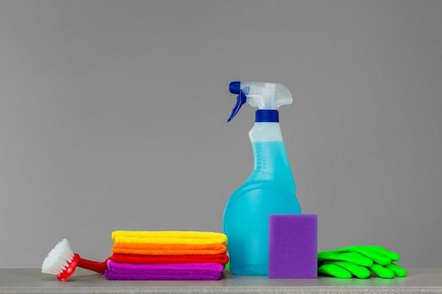 Colorido, jogo, de, ferramentas, para, limpeza, a, casa, ligado, neutro