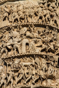 Coluna de marco aurélio em roma