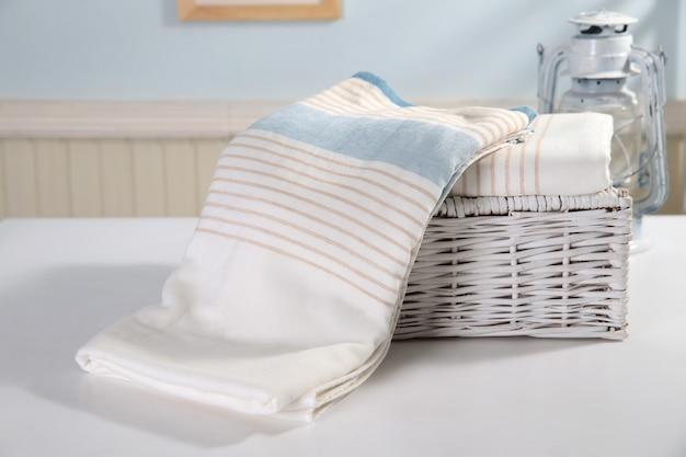 Colurfull lençóis de cama para venda no mercado de madiwala, bangalore