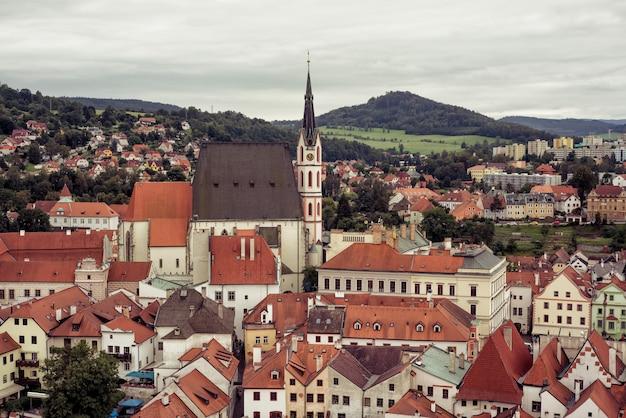 Com vista para a cidade histórica de cesky krumlov. república checa