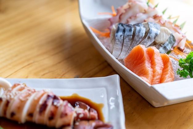 Combinação de sashimi fresco do japão asiático