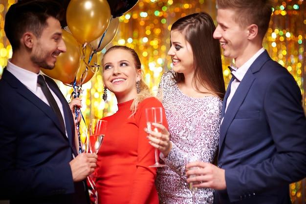 Comemorando a hora da véspera de ano novo