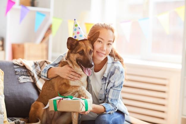 Comemorando o aniversário do cão