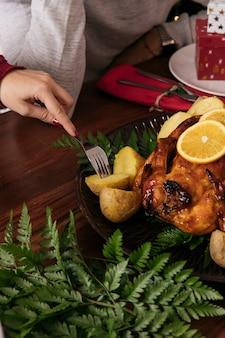 Comer batata no jantar de natal