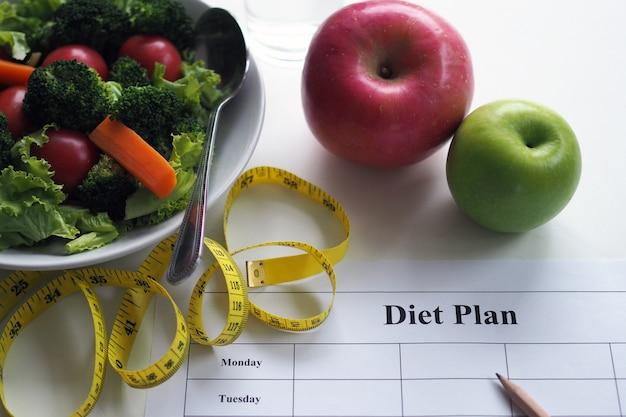 Comer para uma boa saúde e conceito de forma perfeita.