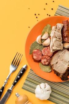 Comida brasileira acima da vista