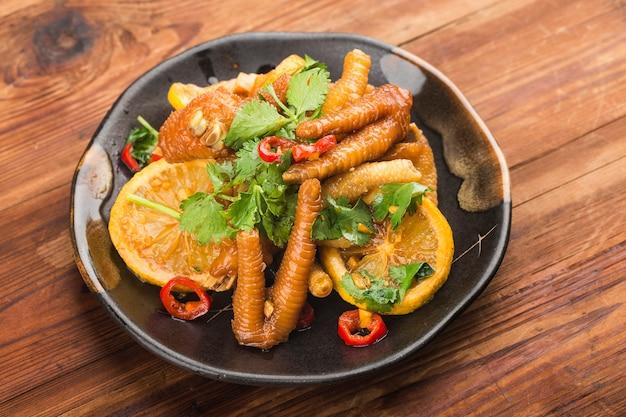 Comida caseira: asas de frango com limão fresco