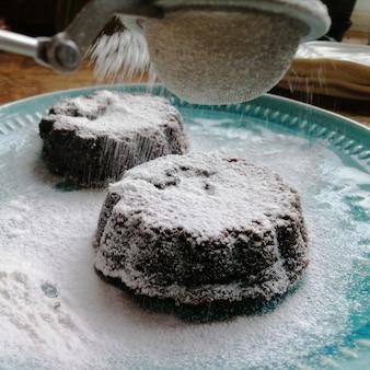 Comida caseira. sobremesa de fondant de chocolate