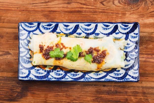 Comida chinesa-o rolo de aletria no vapor cantonês