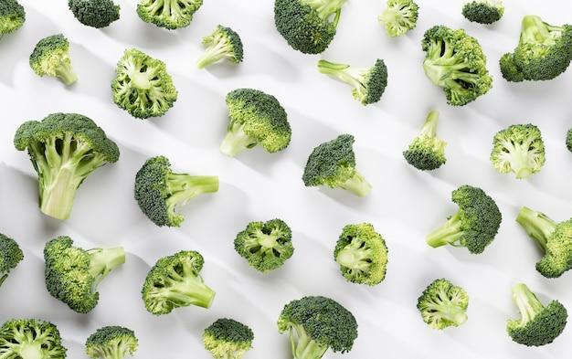 Comida com brócolis verde