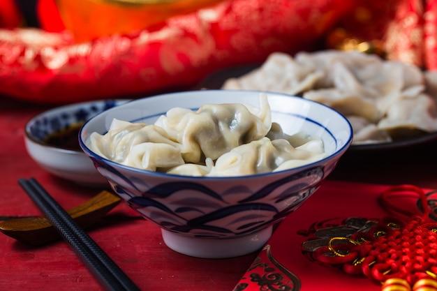 Comida de ano novo de jiaozi chinesa