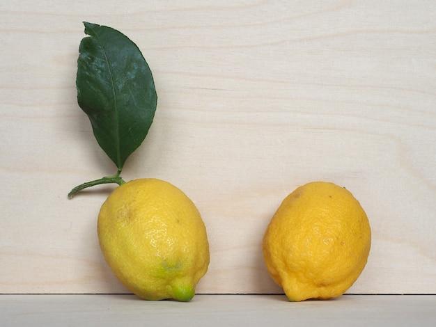 Comida de fruta limão
