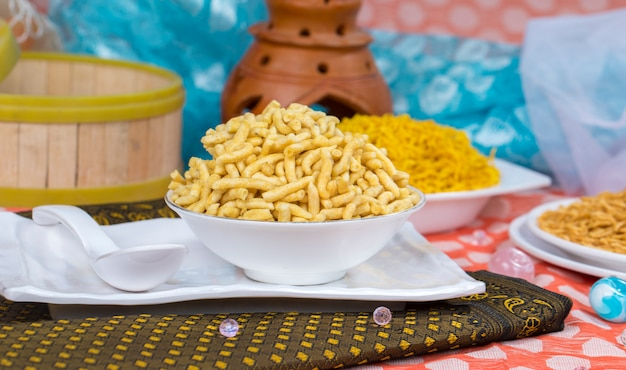 Comida de gathiya namkeen