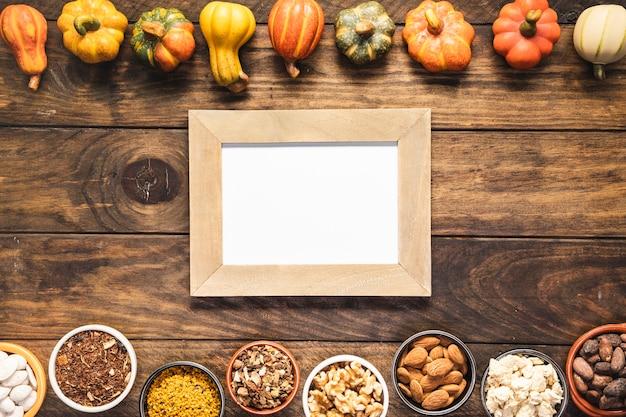 Comida de outono vista superior com moldura