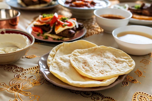 Comida deliciosa para uma festa do ramadã