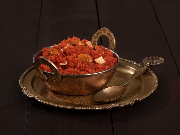 Comida doce indiana, cenoura halwa ou gajar ka halwa