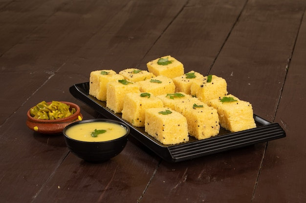Comida famosa de gujrati, comida khaman dhokala