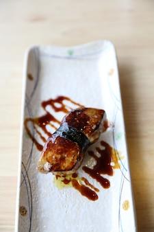 Comida japonesa de sushi de foie gras
