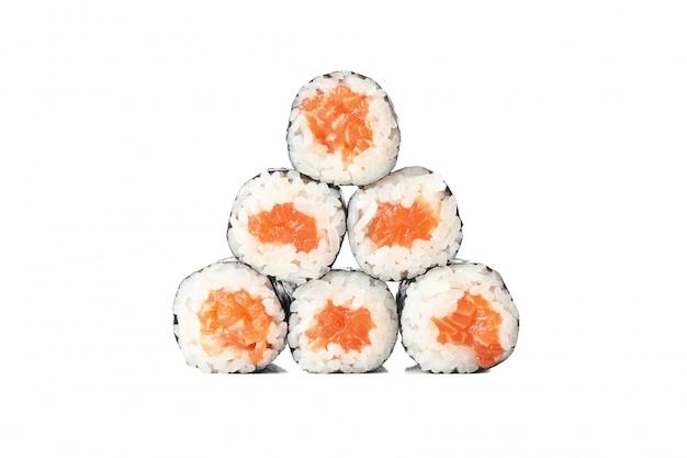 Comida japonesa rolos de sushi delicioso isolados