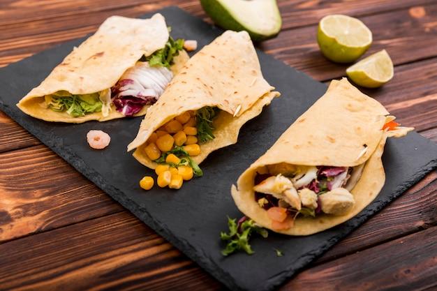 Comida mexicana ainda vida