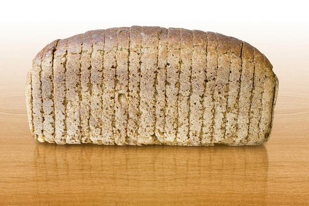 Comida. pão de forma sobre mesa de madeira