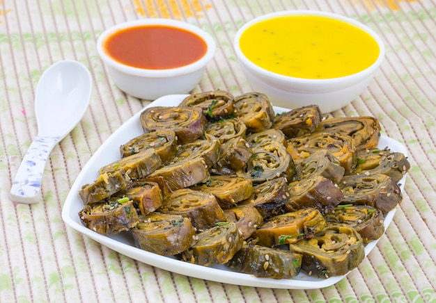 Comida picante indiana patra