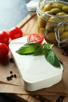 Comida saborosa com queijo feta, close-up