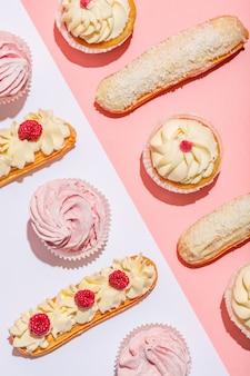 Comida saborosa doce em uma composição colorida.