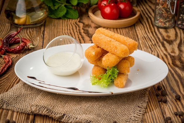 Comida saudável comida bonita e saborosa em um prato