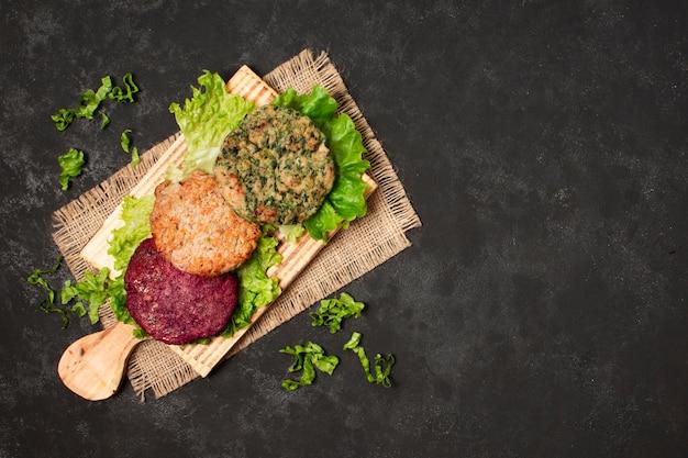 Comida saudável de quadro plana leiga com cópia-espaço
