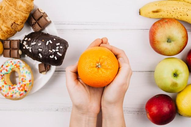 Comida saudável vs alimentos pouco saudáveis