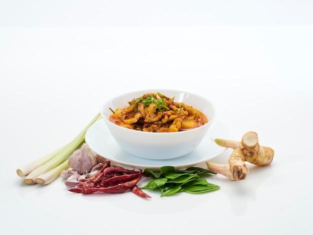 Comida tailandesa, caril de frango panang.