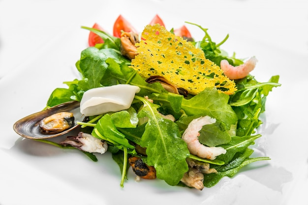 Comida tailandesa de frutos do mar picantes deliciosos