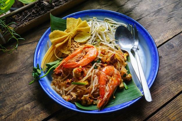 Comida tailandesa padtha