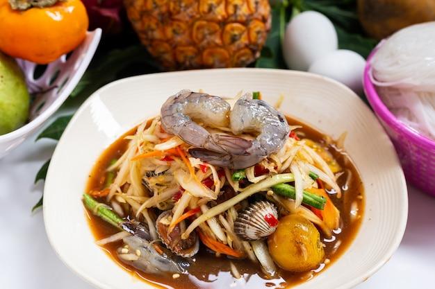 Comida tailandesa salada de mamão