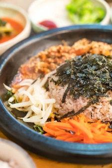 Comida tradicional coreana (bibimbap)