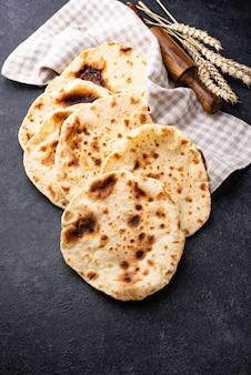 Comida tradicional judaica de pão sírio Foto Premium