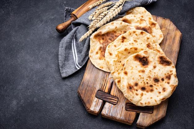 Comida tradicional judaica de pão sírio